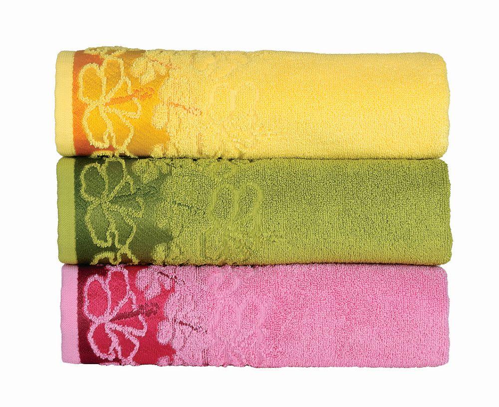 Хавлиени кърпи и халати за баня